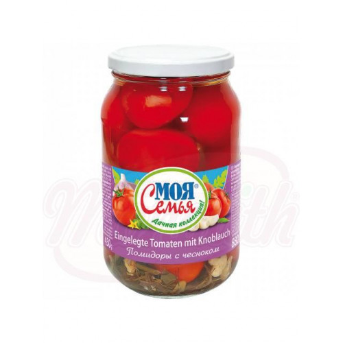 Canned tomatoes with garlic, 880g