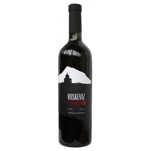 Армянское красное полусладкое вино Voskevaz